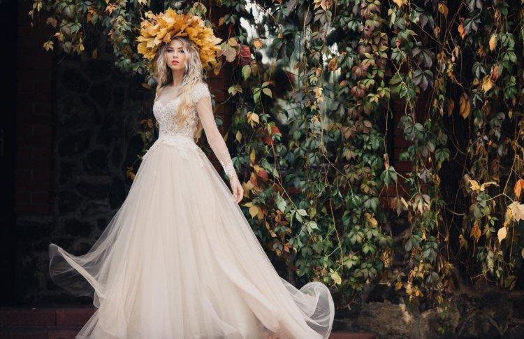 Wedding dress with tulle and lace