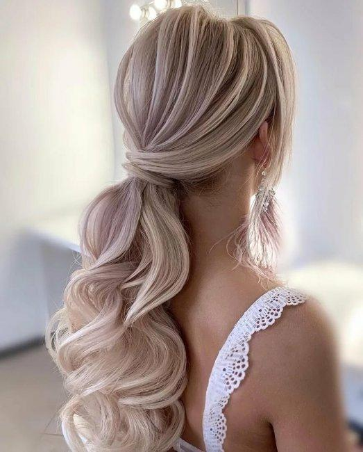Luxurious ponytail for a wedding