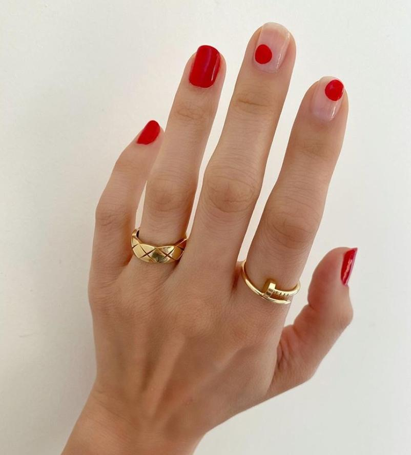 The main trends of autumn manicure